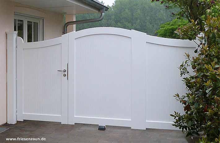 einzel und doppeltor in einem asymmetrische holztore von peters peters 25 jahre garantie. Black Bedroom Furniture Sets. Home Design Ideas